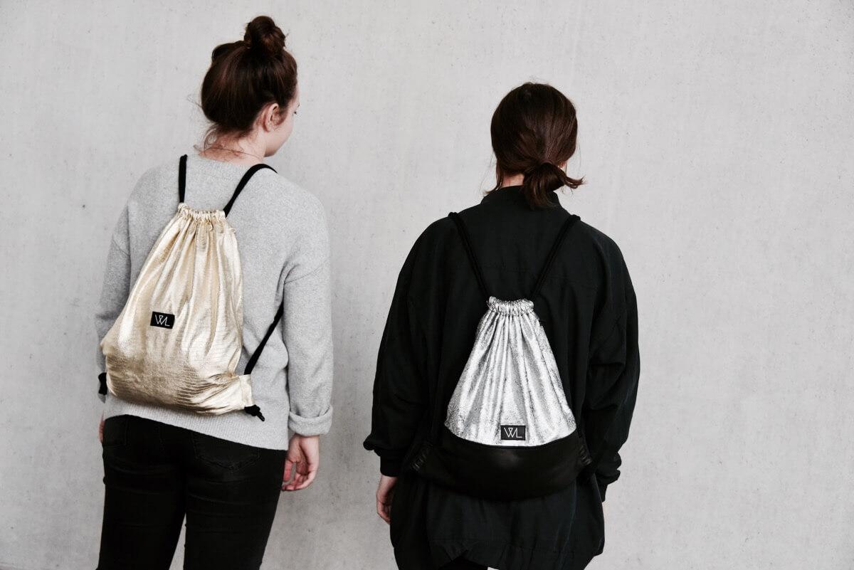 Wie kann man Turnbeutel kombinieren? Sehr unterschiedlich! Wir erklären euch wie ihr mit Wunschleder Turnbeuteln einen minimalistischen Look kreieren könnt | Streetstyle | Minimalism |Backpack